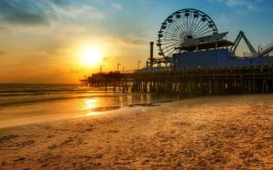 Los-Angeles-Dock-Ferris-Wheel-Beach-Sunset